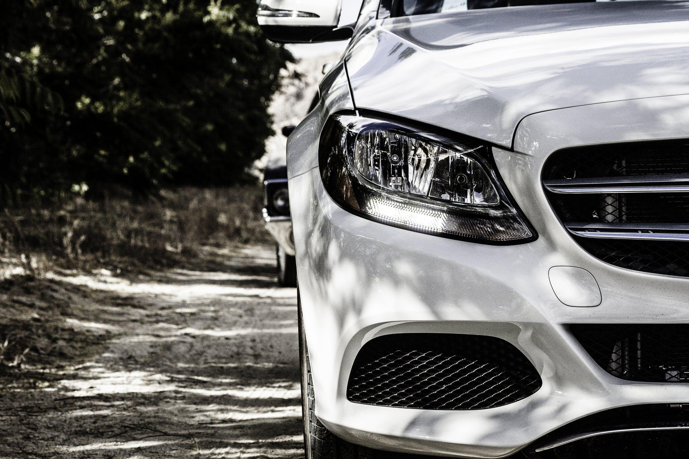 Hvid Mercedes